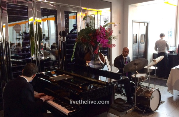 Live jazz for Sunday brunch at Robert.