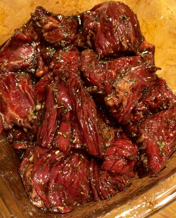 Marinating beef flap.
